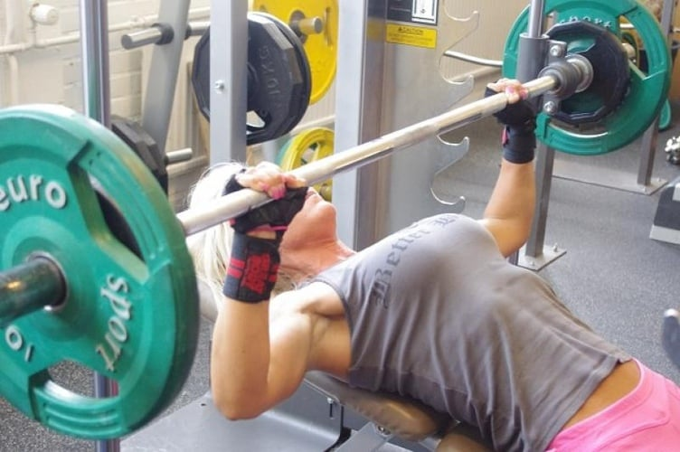 bench press women